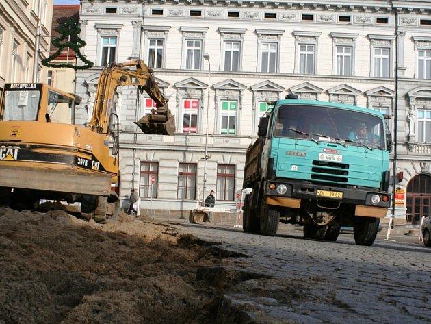 Začala půlroční oprava Horního náměstí
