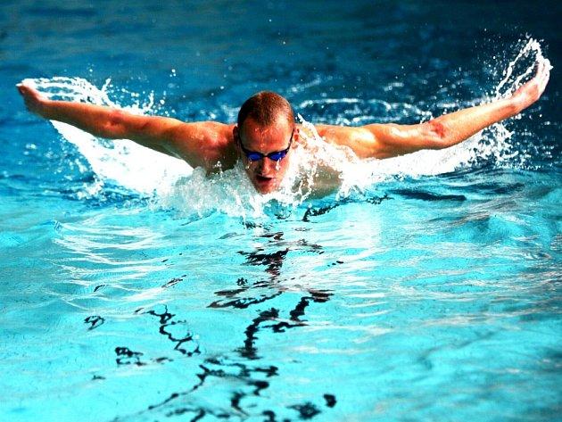 Květoslav Svoboda pilně trénuje při jednom z posledních tréninků před odletem do Číny.