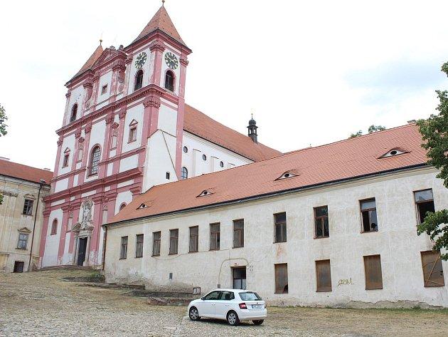 Znojmo nabízí k pronájmu část Louckého kláštera. Za necelých 150 tisíc ročně