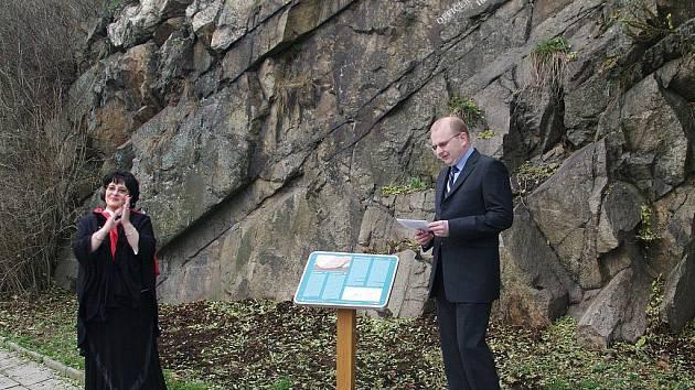 Ze sobotního slavnostního odhalení Polského kamene ve Znojmě.