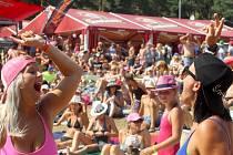 První roční festivalu Přehrady Fest přilákal na pláž vranovské přehrady tisíce lidí.