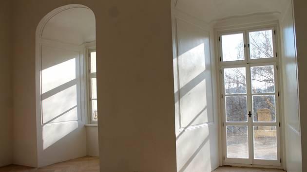 Krumlovský zámek se nyní pyšní nově opravenými výstavními prostorami ve východním křídle. Již v dubnu ožijí a přivítají v nadcházející sezoně turisty.