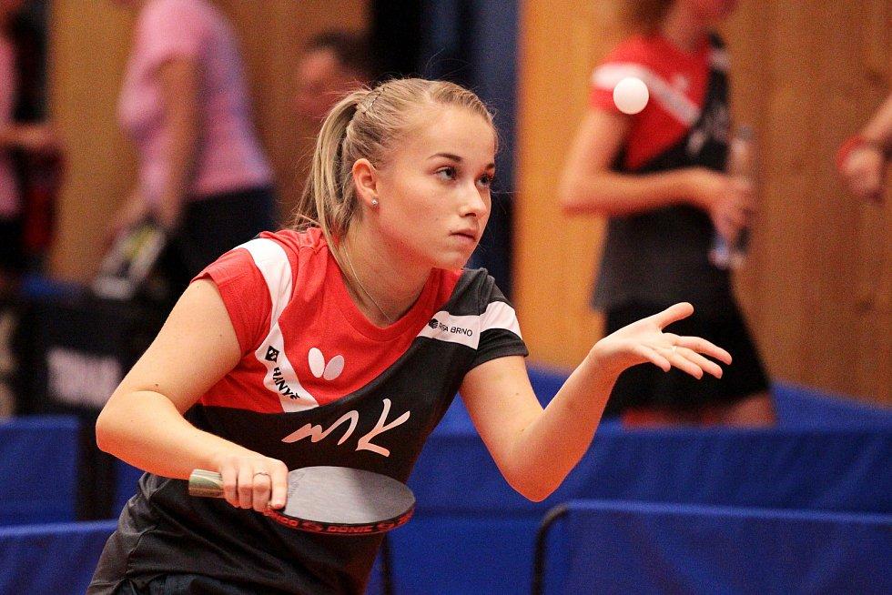 Moravskokrumlovská stolní tenistka Anna Matějovská bude hrát i za prvoligovou Vlašim.