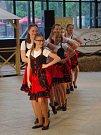 Country tance i stepařská vystoupení ovládla při mistrovství republiky parket, ve který se proměnila palubovka znojemské sportovní haly.