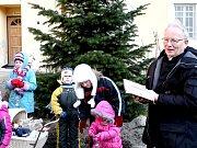 Na Hradišti se symbolicky rozloučili s Vánoci.