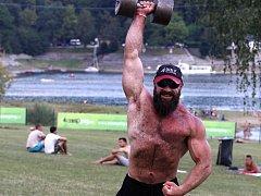 Několik stovek tun už nazvedal Michal Soukup, který cvičí, protože ho to prostě baví.