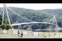 Most přes Švýcarskou zátoku na Vranovské přehradě.