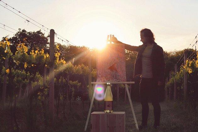 Sluncem zalité vinohrady má Vajčner především na Kraví Hoře vKonicích a vdalším okolí Znojma.