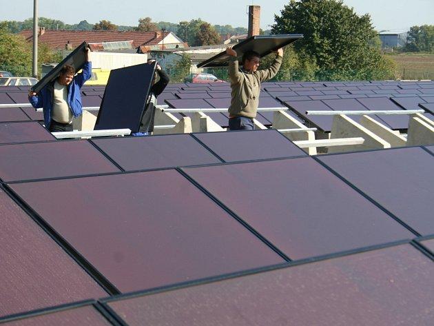 V Jaroslavicích vyrůstá solární elektrárna