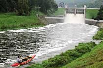Znojemští vodáci posedmnácté zamkli řeku Dyji.