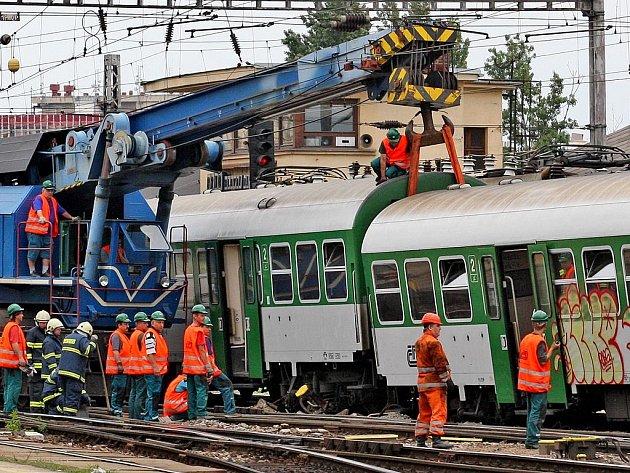 Na brněnském nádraží se srazily dva vlaky
