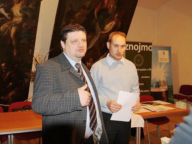 Předseda Sdružení VOC Znojmo František Koudela (vpravo)