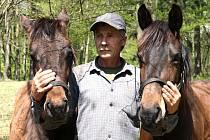 Provozovatel zoologické zahrady v příkopu hradu Bítov přesunuje své aktivity o kus dál, u rozhledny chce otevřít babiččinu zahrádku