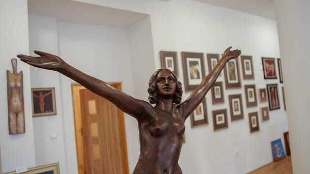 Nová znojemská Galerie Grand Café zahajuje výstavou děl Kristiána Kodeta.