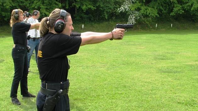 Policejní a armádní specialisté stříleli v Prosiměřicích