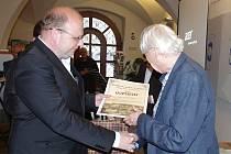 Znojemský Okrašlovací spolek předal svá tradiční ocenění. Letos ocenil filmového dokumentaristu Rudolfa Adlera za celoživotní propagaci Znojemska.