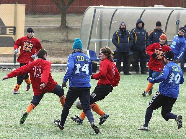Tasovice v utkání s IE Znojmo potvrdily roli favorita a s přehledem vyhrály 6:1.