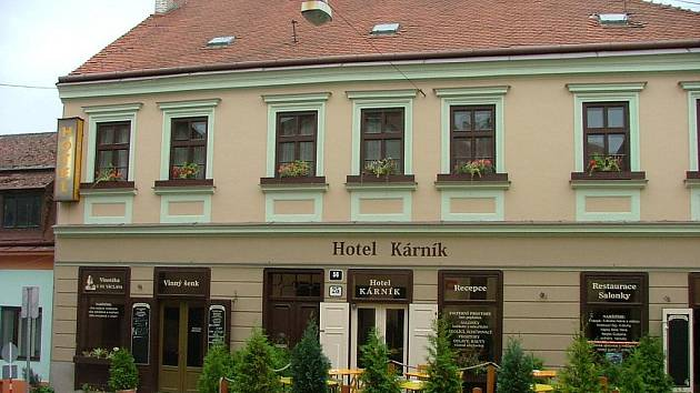 Hotel Kárník a Vinný šenk