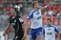 Plzeň (v černém) porazila Znojmo 1:0 a odváží si tři body.