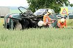 Dva lidské životy si vyžádala tragická srážka dvou osobních aut na konci května na kasárenské křižovatce u Znojma.