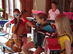 Hudba v ulicích v rámci Hudebního festivalu Znojmo.