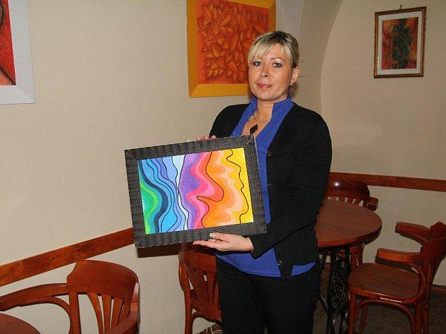 Už pět let maluje Lenka Heroldová, měla také dvě výstavy svých obrázků.