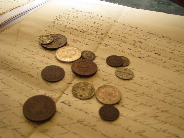 Kostelní věž v Litobratřicích skrývala mince a dokumenty