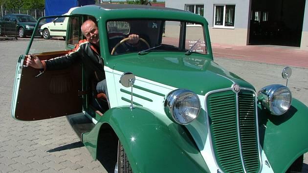 Libor Suchý ve svém voze