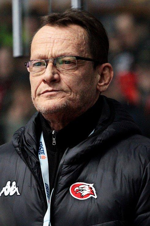 Trenér znojemských hokejových Orlů Miroslav Fryčer.