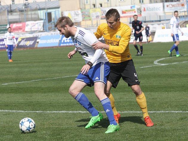 Tomáš Okleštěk při zápase proti Sokolovu.