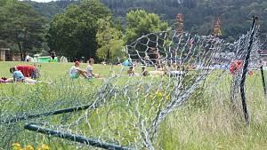 Konec plotové opony. Z pláže vranovské přehrady zmizela po patnácti letech