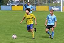 Fotbalisté Znojma (modří) padli již popáté za sebou. Poslední srpnovou neděli nestačili na B-tým Zlína a prohráli 0:4.
