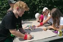 Děti si užívaly další turnusy příměstského tábora ve Farmě Nad zámkem v Moravském Krumlově.