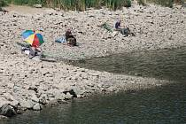 Dunajovická přehrada bude bez vody do konce září.