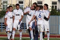 Znojemský tým (v bílém) ještě v Juniorské lize neprohrál. Olomouc vyprovodil třemi góly.