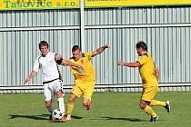 Fotbalisté Tasovic porazily Vrchovinu 2:0.