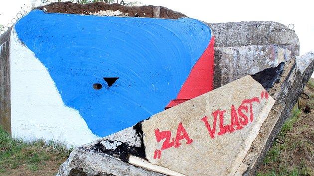 Roh řopíku ve Vratěníně uřízl v létě umělec Ondřej Bělica.