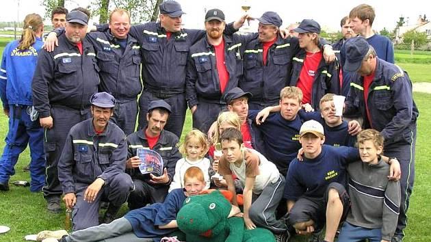 Závody v požárním sportu v Dyjákovicích.