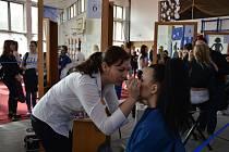 Desátý ročník kadeřnické a kosmetické soutěže Šarm hostila střední škola v Přímětické ve Znojmě.