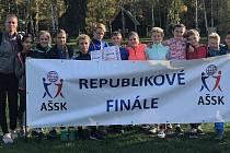 Sedmáci a šesťáci ze znojemské základní školy v ulici Mládeže bodovali na republikovém mistrovství v přespolním běhu v Hradci Králové.