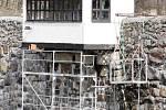Čištění jevišovické přehrady pokračuje v těchto dnech opravou zpevňujících zdí i samotné hráze. Hotovo má být do konce dubna.