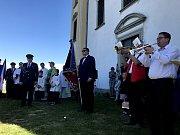 Hasiči z Rakšc se dočkali ke 120. výročí fungování sboru svého praporu. Žehnání praporu předcházela mše v kapli svatého Floriána.