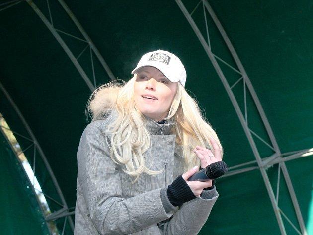 Stovky návštěvníků přilákal koncert Heleny Zeťové.