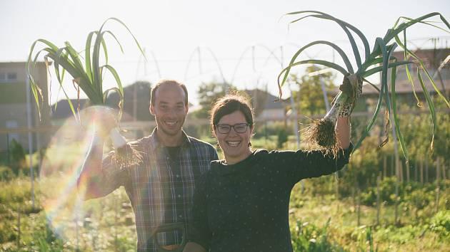 Manželé Libor Kožnar a Eva Kožnar Vítková na své farmě v Šanově na Znojemsku.