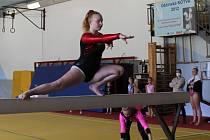 Reprezentantky ze znojemského Klubu sportovní gymnastiky bodovaly první říjnový víkend na závodech v Děčíně. Soutěžily o pohár Věry Čáslavské.