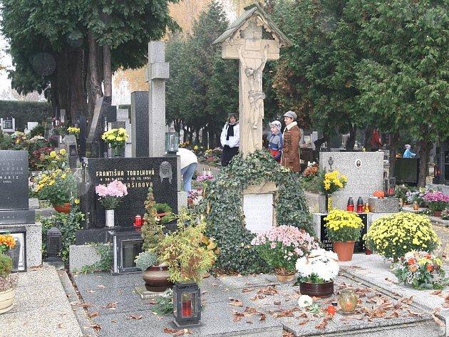 Městský hřbitov ve Znojmě - ilustrační foto.