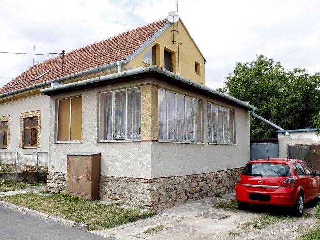 Dům v klidné části znojemské městské části Přímětice, ve kterém se v pondělí 13. července stala vražda.
