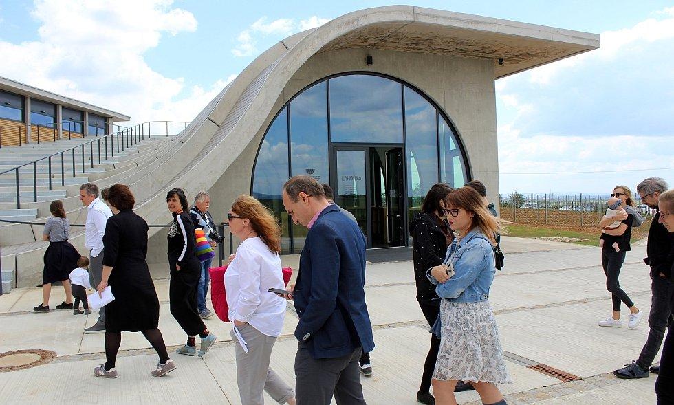 Slavnostní otevření nového sídla Vinařství Lahofer.
