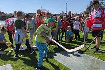 Pátý ročník akce Louka plná dětí přilákal stovky ratolestí, které si vyzkoušeli osmnáct různých druhé sportů. Foto: archiv Orli Znojmo