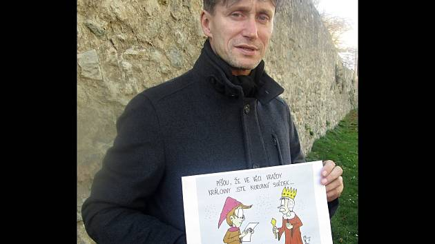 Ředitel kulturního střediska v Moravském Krumlově Bořivoj Švéda tráví volný čas kreslením vtipů.